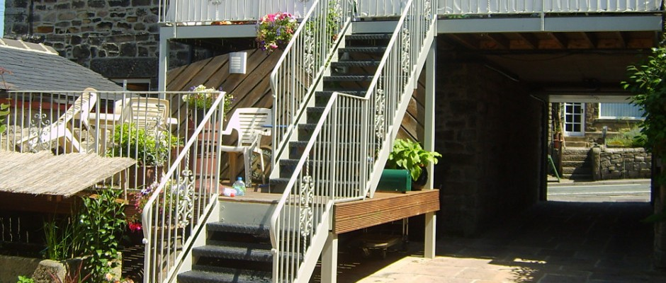 /metalwork/service/handrails-and-balustrades